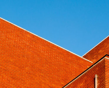 Commercial Roof Maintenance – Keeping Gutters Clean in the Fall